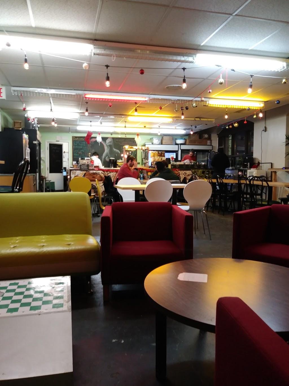 Café Étudiant Sain Fractal | cafe | Montreal, QC H2X 3P2, Canada