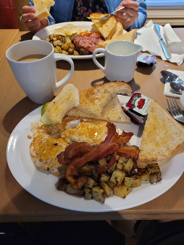 Crossings Cafe   restaurant   236 Main St, Borden-Carleton, PE C0B 1X0, Canada   9027292090 OR +1 902-729-2090