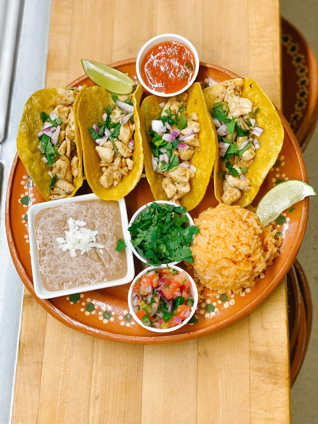 Flavors of Mexico | restaurant | 370 Main St, Winkler, MB R6W 1G5, Canada | 2043251655 OR +1 204-325-1655