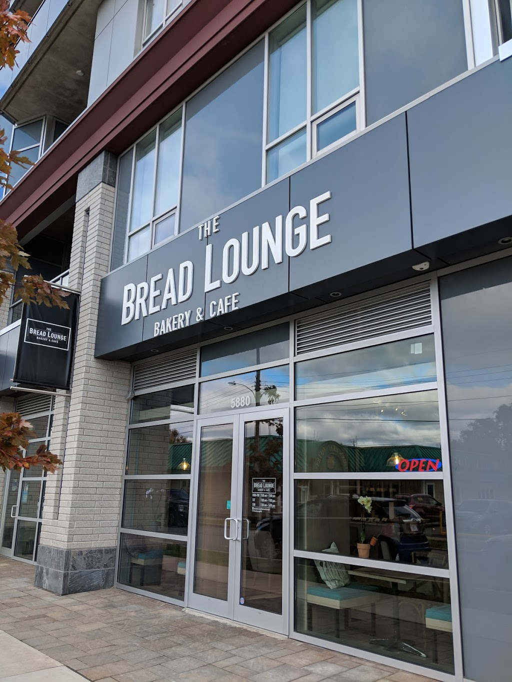 The Bread Lounge Bakery | bakery | 5880 Demone St, Halifax, NS B3K 1X9, Canada | 9024052374 OR +1 902-405-2374