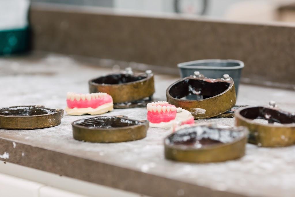 Solaris Dental Solutions Inc. | dentist | 589 Barton St #101, Stoney Creek, ON L8E 6E4, Canada | 8889668566 OR +1 888-966-8566