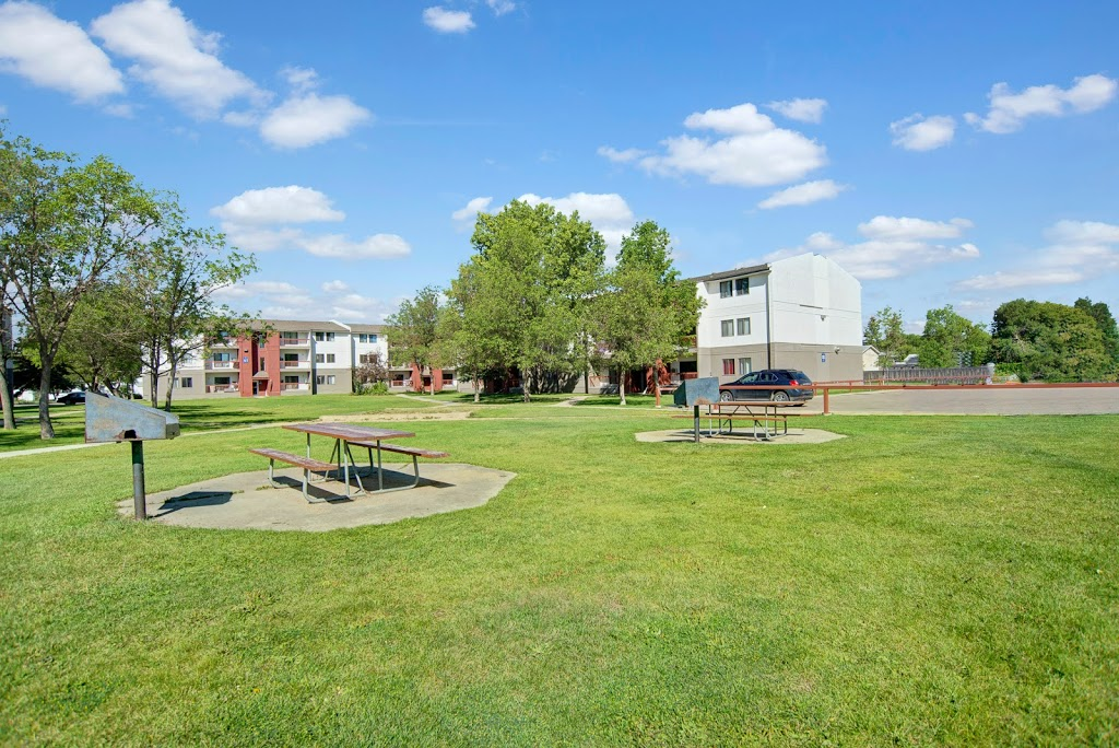 Madison Park Apartment Homes | real estate agency | 105 Cambridge Ave, Regina, SK S4N 5N6, Canada | 3067615404 OR +1 306-761-5404