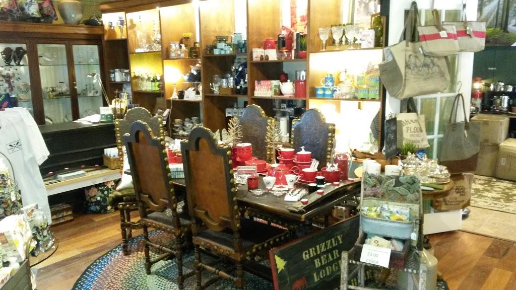 MacLean-Carp Cabin | furniture store | 211 Donald B. Munro Dr, Carp, ON K0A 1L0, Canada | 6138043256 OR +1 613-804-3256