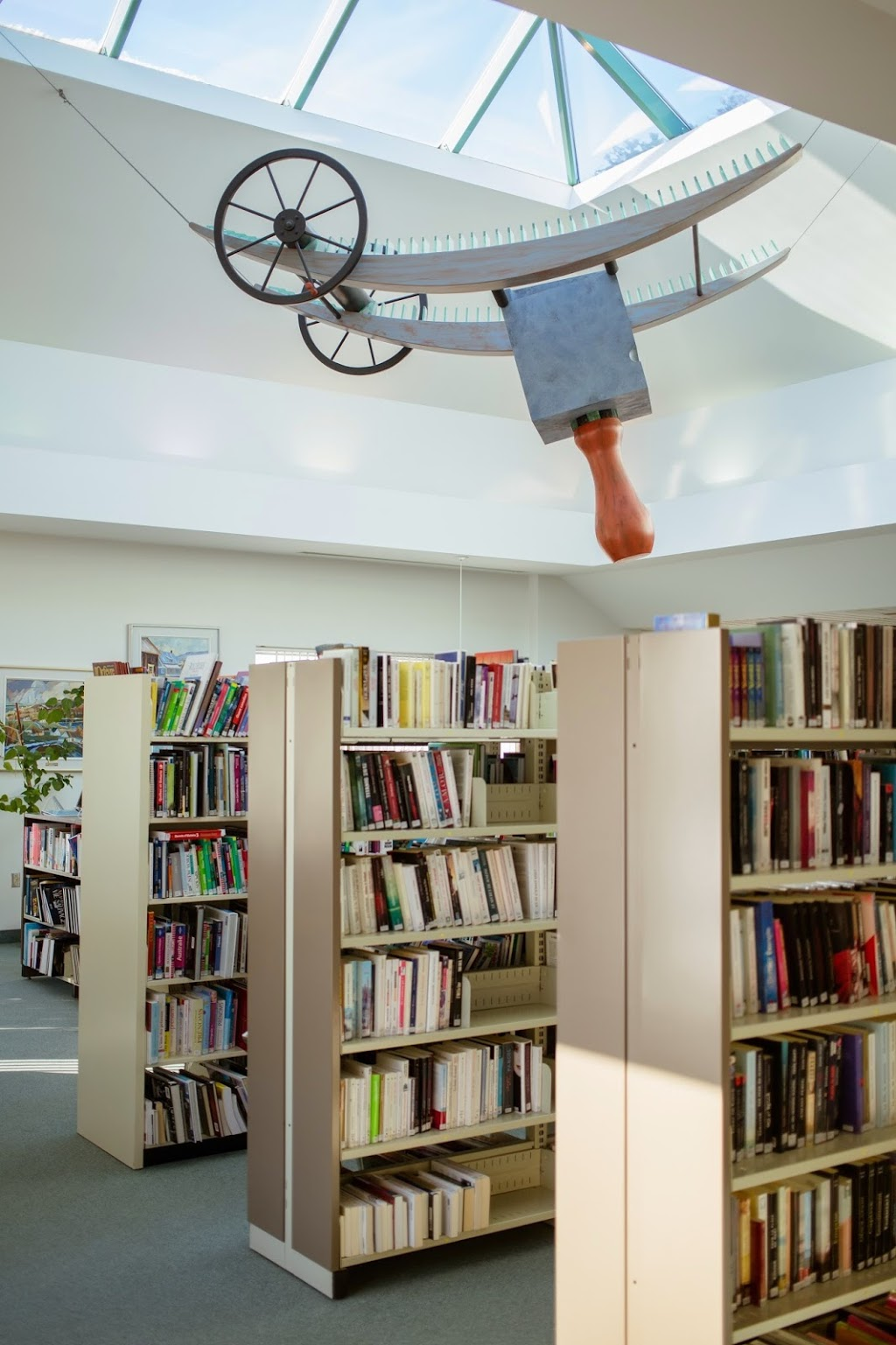Library Alcide-Fleury   library   841 Boulevard des Bois Francs S, Victoriaville, QC G6P 5W3, Canada   8197514511 OR +1 819-751-4511