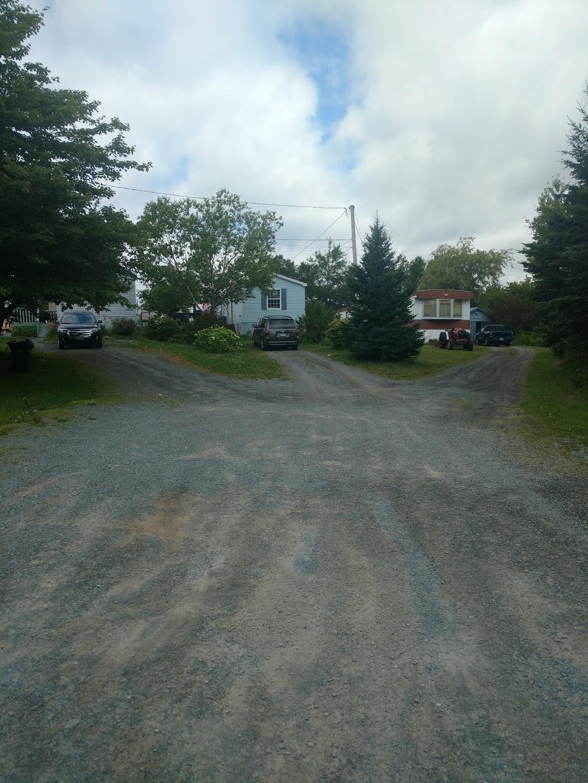 Valley Gate Mini & Mobile Home Park | lodging | 230 S Uniacke Rd, Mount Uniacke, NS B0N 1Z0, Canada | 9028358388 OR +1 902-835-8388
