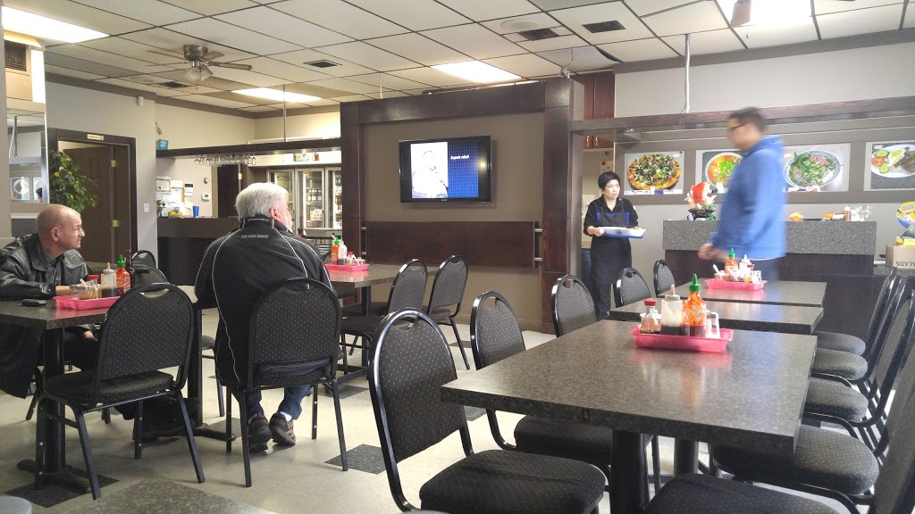 Pho Huong & Mama Pizza | restaurant | 10531 107 Ave, Edmonton, AB T5H 0W3, Canada | 7804226262 OR +1 780-422-6262