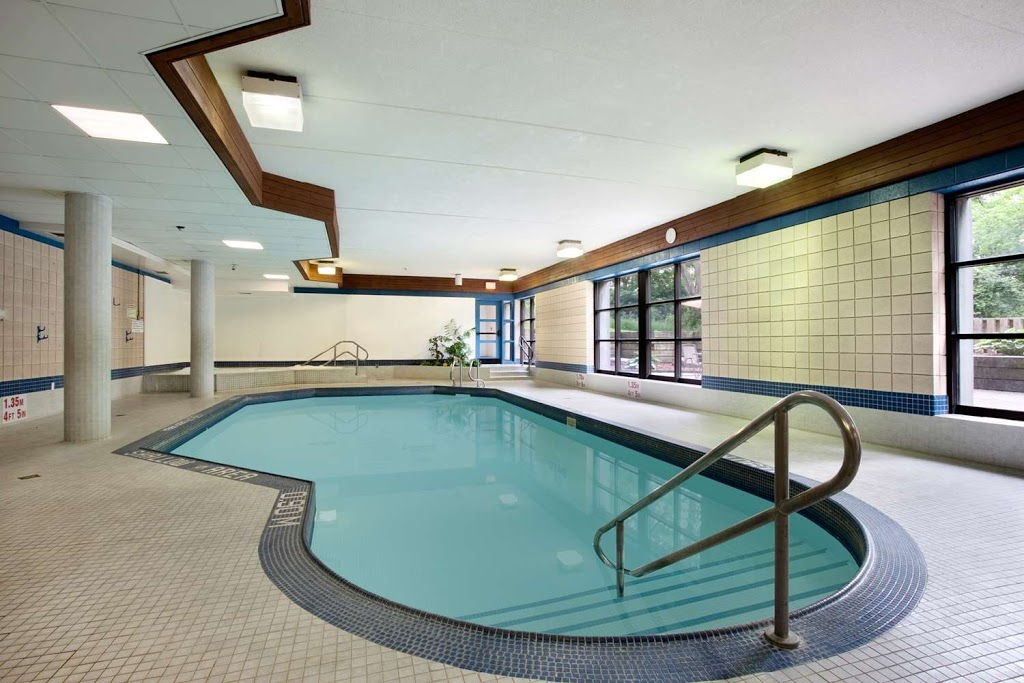 Travelodge by Wyndham Barrie on Bayfield | lodging | 300 Bayfield St, Barrie, ON L4M 3B9, Canada | 7059960702 OR +1 705-996-0702