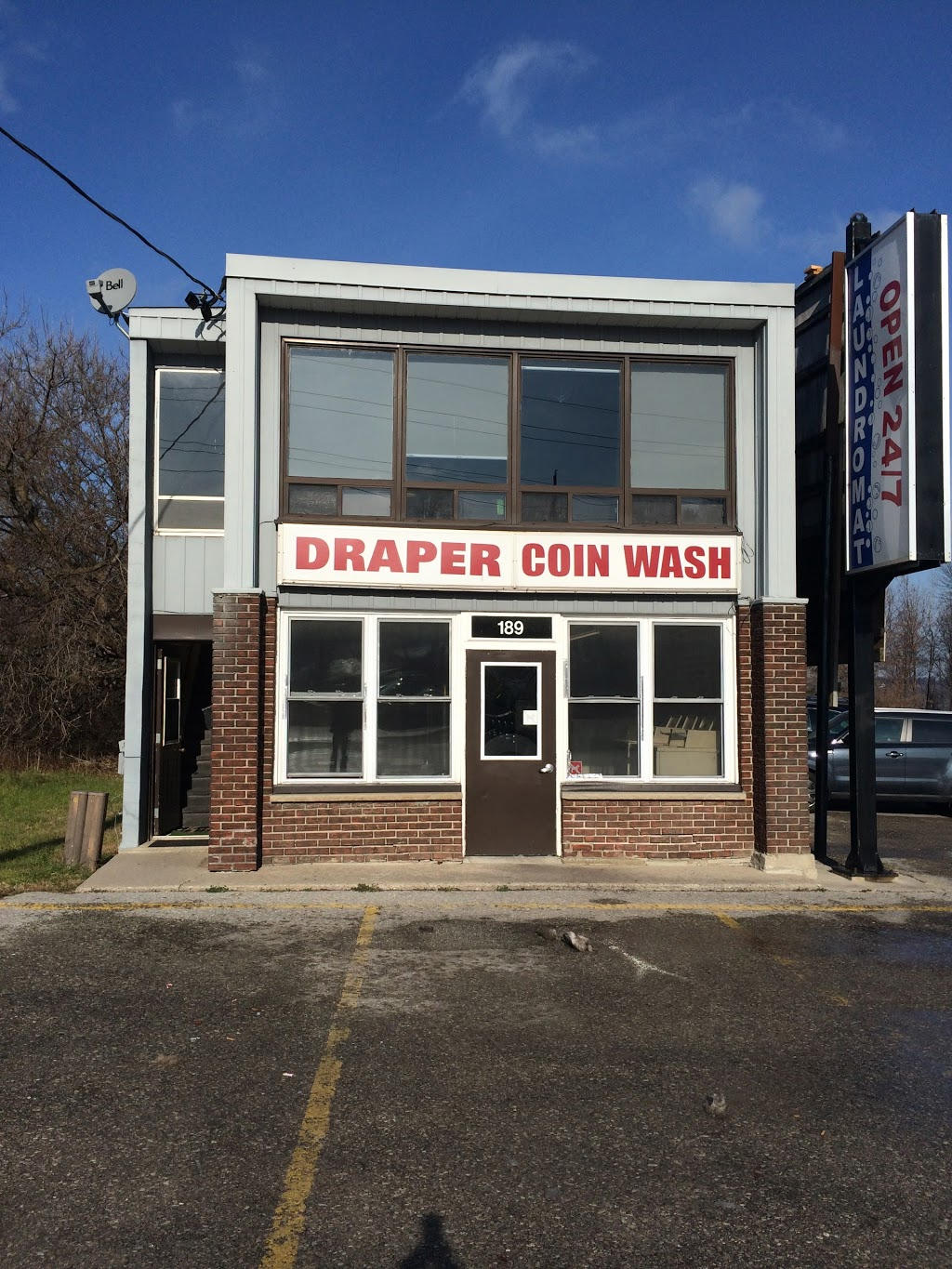 Draper Coin Wash | laundry | 189 Burton Ave, Barrie, ON L4N 2R9, Canada | 7053318586 OR +1 705-331-8586