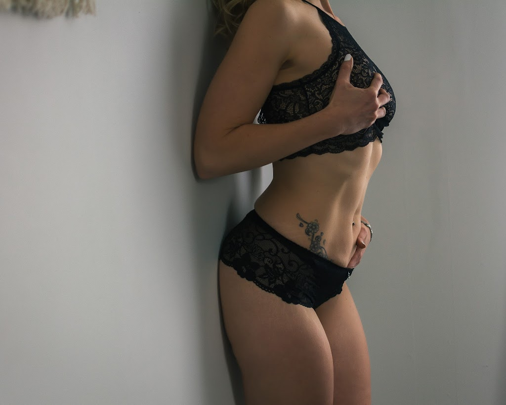 Boudoir By Cynthia | point of interest | 1 Anne St, Erin, ON N3A 3E4, Canada | 4162752186 OR +1 416-275-2186