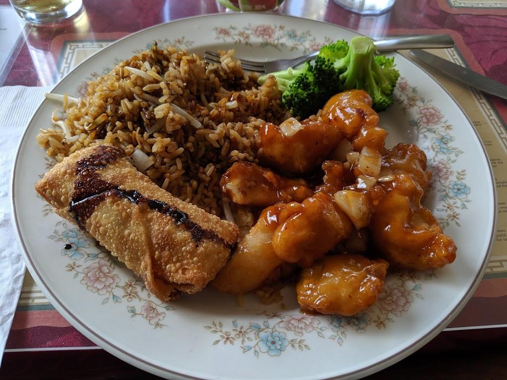 Lucky Kitchen | restaurant | 190 King St W, Harrow, ON N0R 1G0, Canada | 5197384447 OR +1 519-738-4447