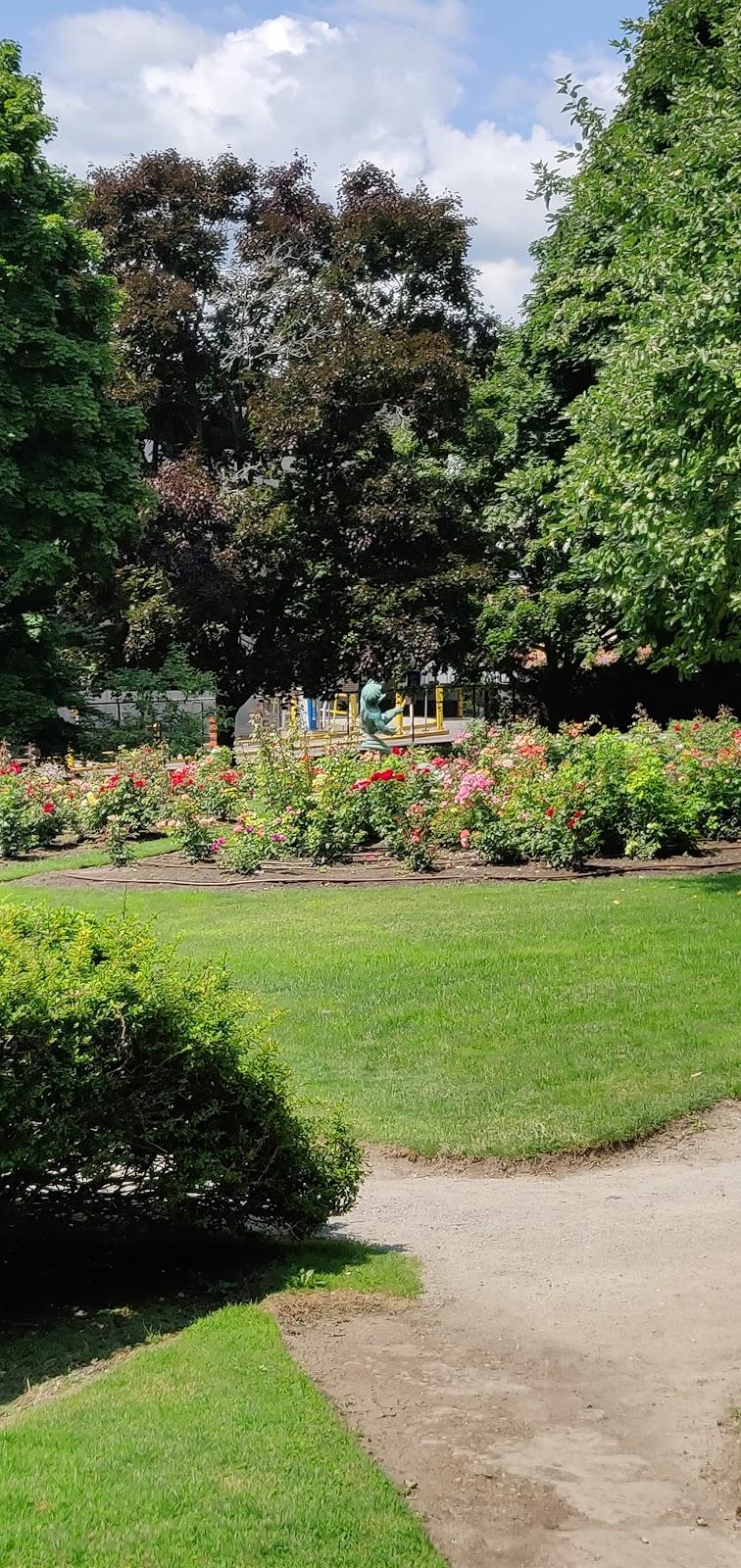 Fernhill Park   park   144 Fernhill Blvd, Oshawa, ON L1J 5J3, Canada   9054363311 OR +1 905-436-3311