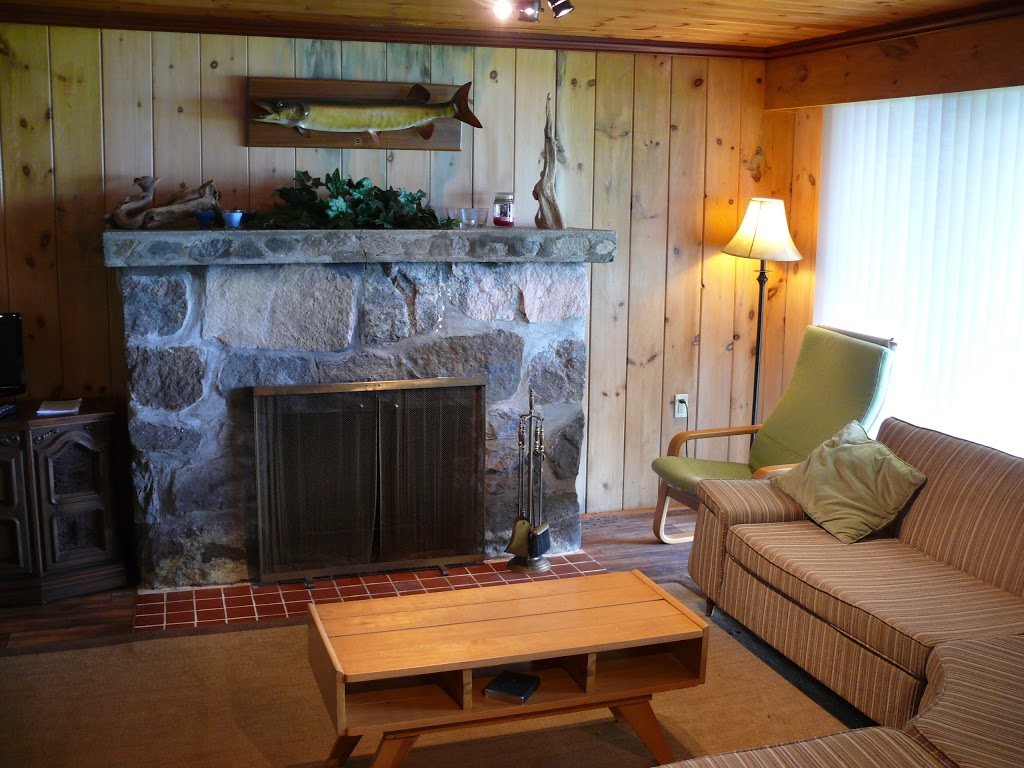 The Pines of Kawartha - Cottage Rentals in Kawartha | lodging | 39 Regal St, Fenelon Falls, ON K0M 1N0, Canada | 4162000426 OR +1 416-200-0426