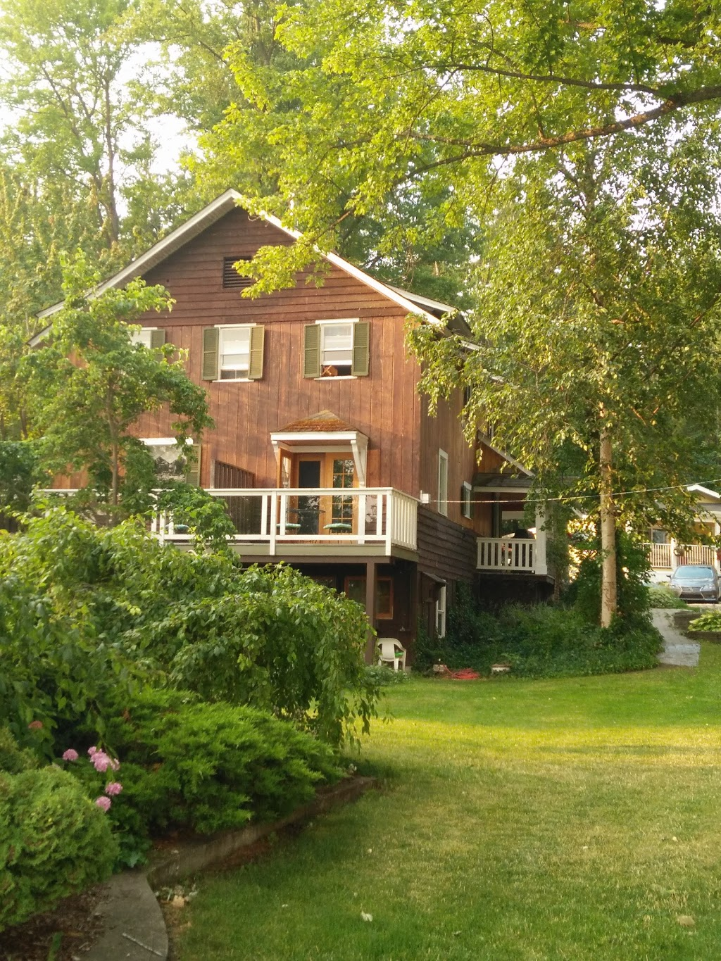 Maples Resort | lodging | 1283 Dieppe Rd, Sorrento, BC V0E 2W0, Canada | 2506752433 OR +1 250-675-2433