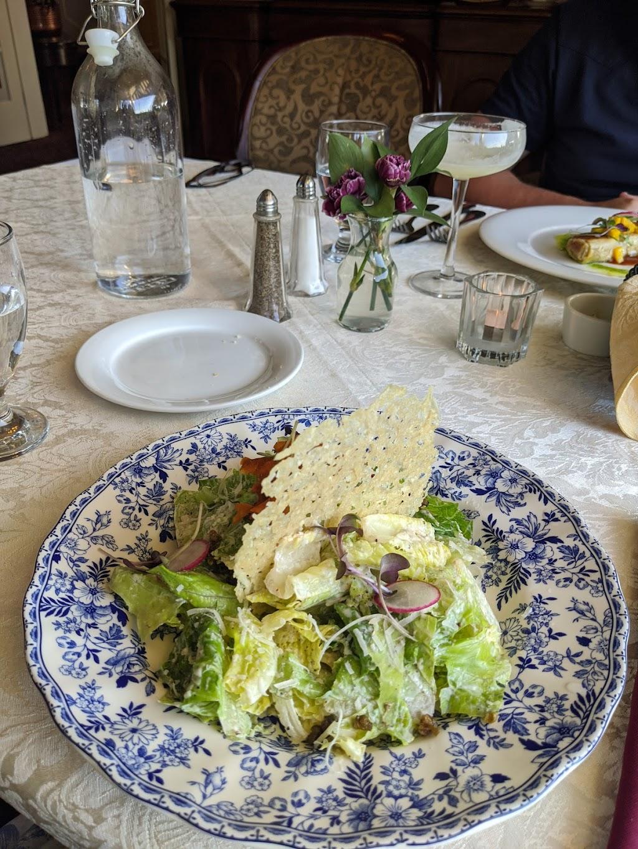 Sapphire Room | restaurant | 292 Crescent Rd E, Qualicum Beach, BC V9K 0A5, Canada | 2507525776 OR +1 250-752-5776
