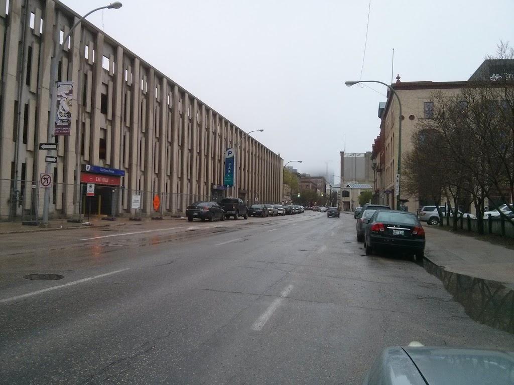 Impark (Parking) | parking | 186 Princess St, Winnipeg, MB R3B 1K9, Canada | 2049433578 OR +1 204-943-3578