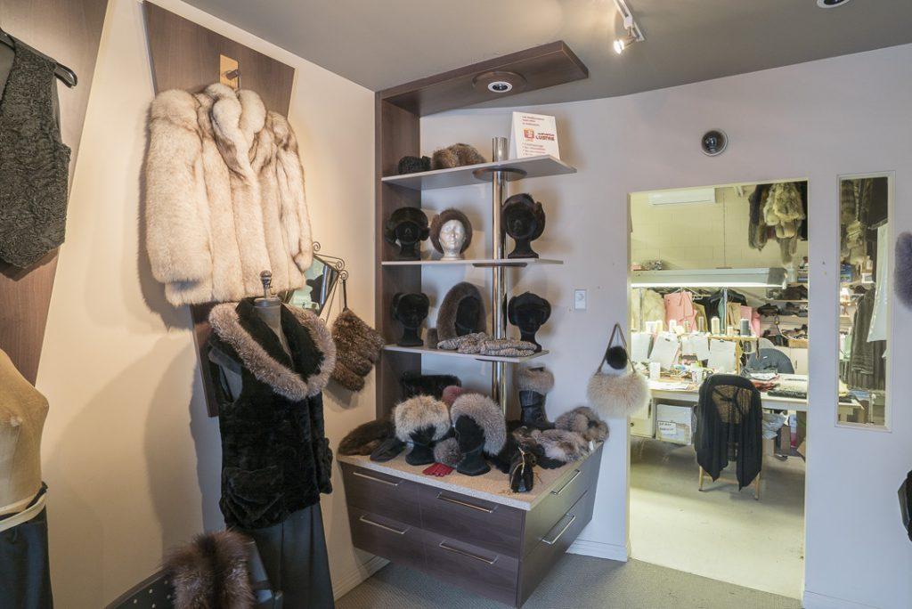 Maranda Lustre Inc | clothing store | 2515 Avenue Dumas, Québec, QC G1L 4P9, Canada | 4186239955 OR +1 418-623-9955