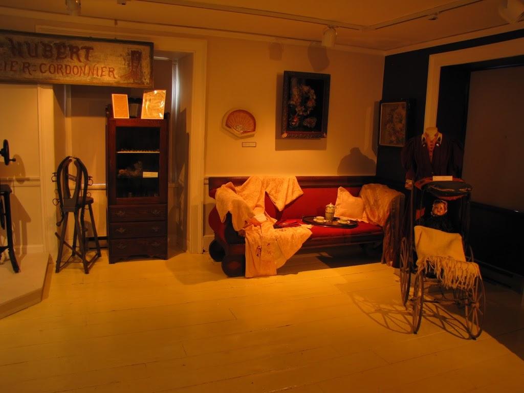 Carillon Barracks National Historic Site | museum | 44 Route du Long-Sault, Saint-André-dArgenteuil, QC J0V 1X0, Canada | 4505373861 OR +1 450-537-3861