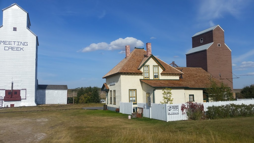 Meeting Creek Heritage Railway Station and Linear Park | museum | 5002 50 St, Meeting Creek, AB T0B 2Z0, Canada | 7806723099 OR +1 780-672-3099