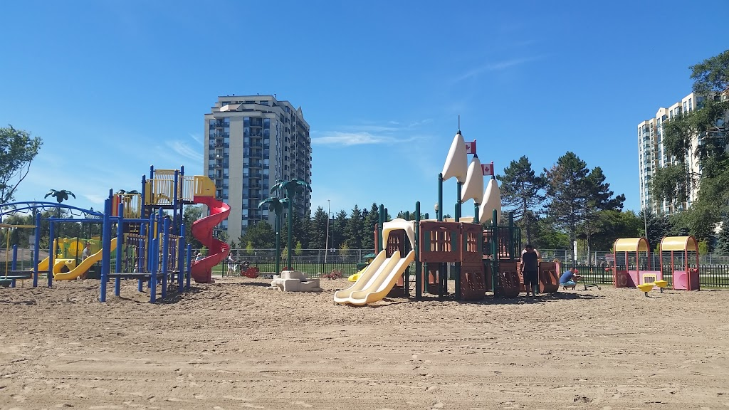 Centennial Park | park | Lakeshore Dr, Barrie, ON L4N 2M6, Canada | 7057394255 OR +1 705-739-4255