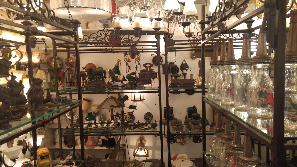 Yardleys Antiques | home goods store | 1240 Bank St, Ottawa, ON K1S 3Y3, Canada | 6137399580 OR +1 613-739-9580
