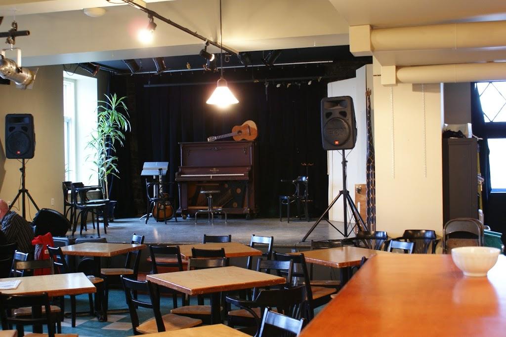 Tam Tam Café | cafe | 421 Boulevard Langelier, Québec, QC G1K 3E3, Canada | 4185236021 OR +1 418-523-6021