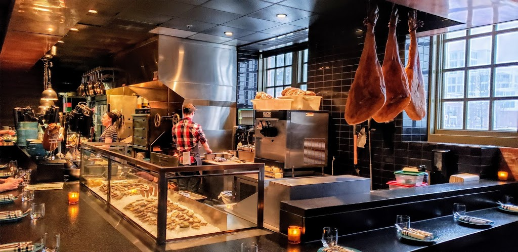 charbar | restaurant | Simmons Building, 618 Confluence Way SE, Calgary, AB T2G 0G1, Canada | 4034523115 OR +1 403-452-3115