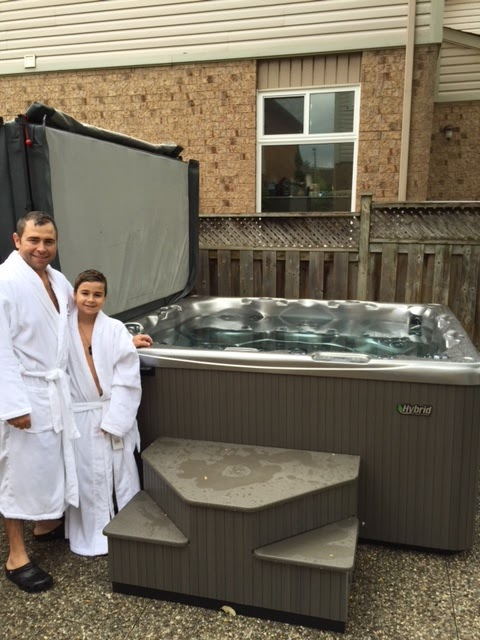 Beachcomber Hot Tubs Factory Outlet (Greater Toronto) | store | 2725 Bristol Cir, Oakville, ON L6H 6X5, Canada | 9058293175 OR +1 905-829-3175