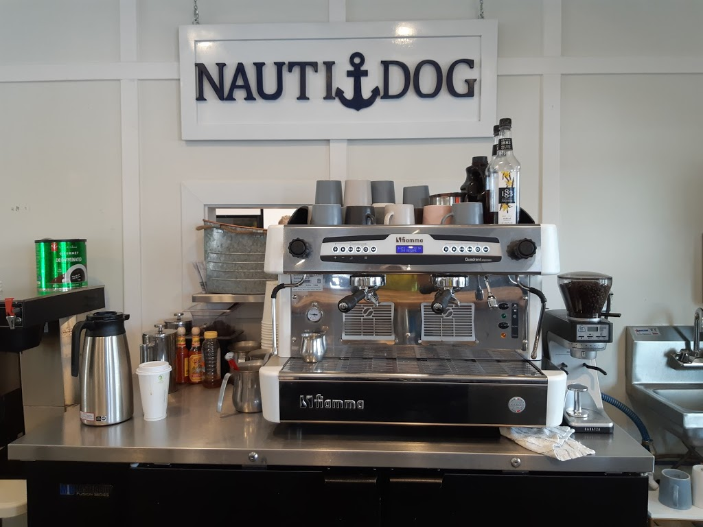 Nauti Dog Cafe | restaurant | 3895 Lakeside Rd, Penticton, BC V2A 8W3, Canada | 5878971120 OR +1 587-897-1120