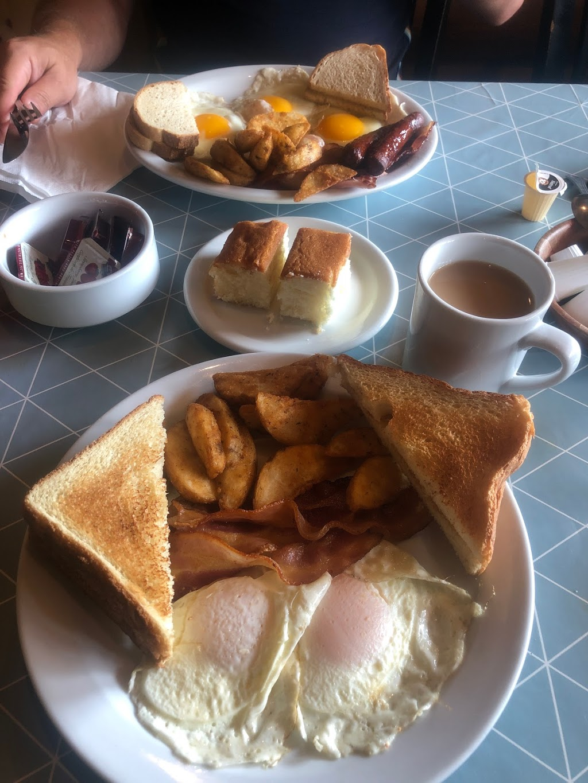 Honeys Diner | restaurant | 5584 ON-28, Woodview, ON K0L 3E0, Canada | 7056544197 OR +1 705-654-4197