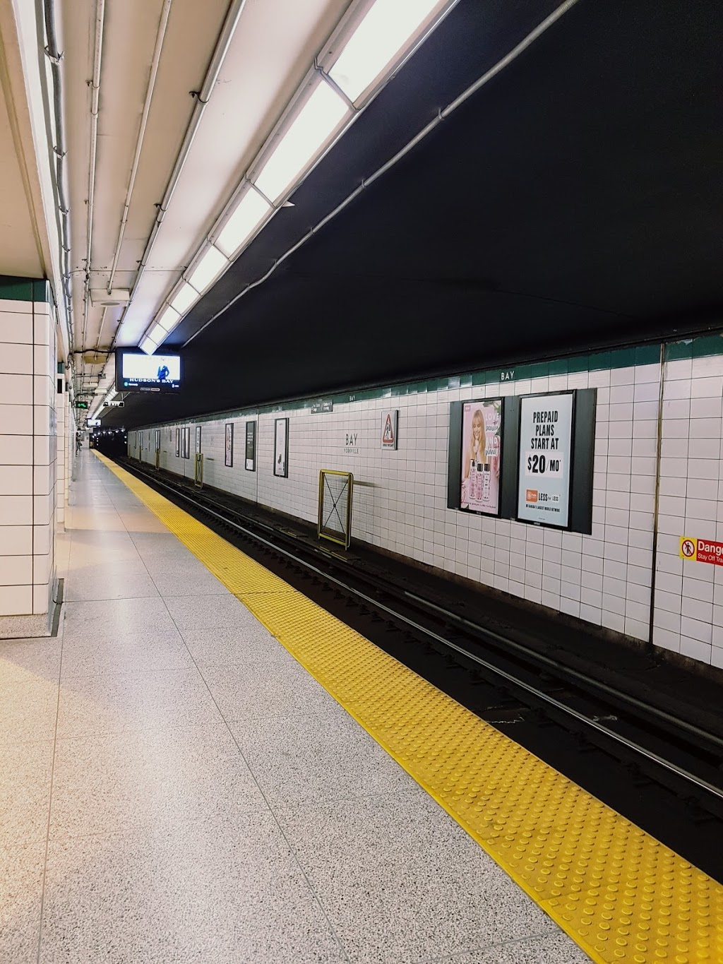 Bay | subway station | Toronto, ON M5R 3N7, Canada