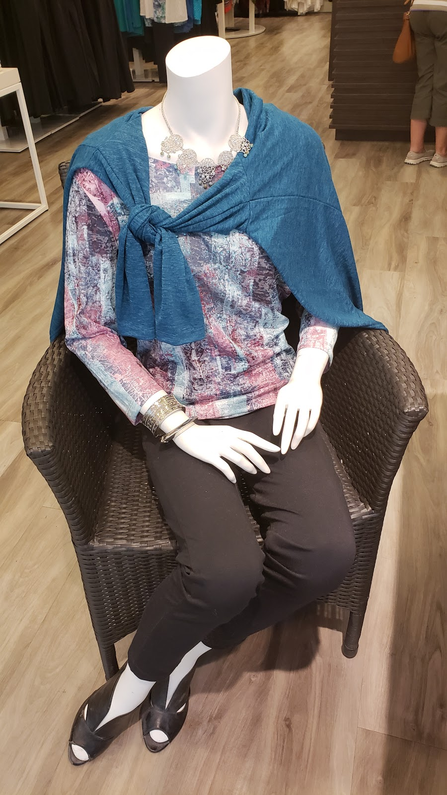 Northern Reflections | clothing store | Mapleview Shopping Centre, 900 Maple Ave, Burlington, ON L7S 2J8, Canada | 9056818555 OR +1 905-681-8555