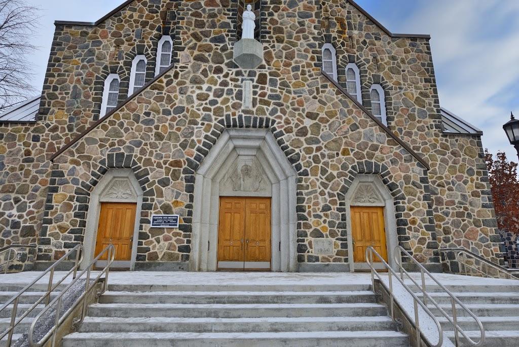 Paroisse Saint-Bruno | church | 1668 Rue de Montarville, Saint-Bruno-de-Montarville, QC J3V 3T9, Canada | 4506536319 OR +1 450-653-6319