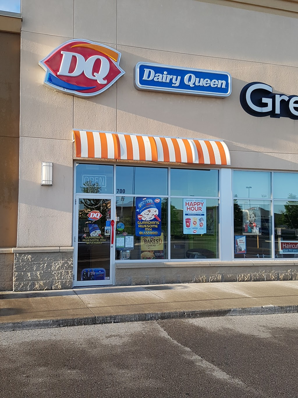Dairy Queen (Treat)   store   575 Laval Dr, Oshawa, ON L1J 0B6, Canada   9055761923 OR +1 905-576-1923