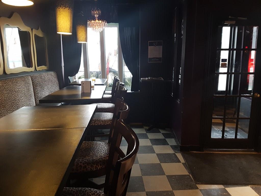 Quartier Général | night club | 1 Boulevard Charest O, Québec, QC G1K 1X1, Canada | 4186144590 OR +1 418-614-4590