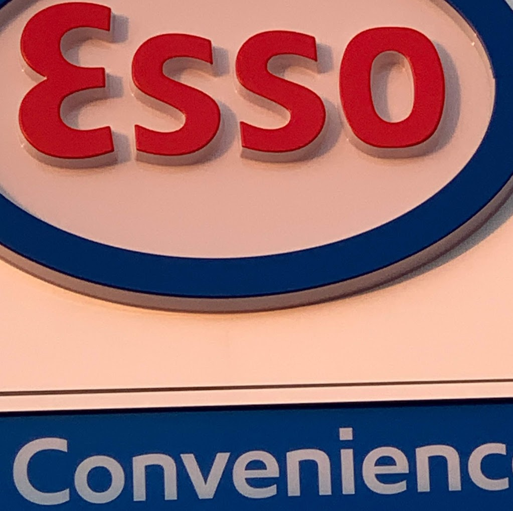 Esso   convenience store   605 ON-7, Oakwood, ON K0M 2M0, Canada   2896531533 OR +1 289-653-1533