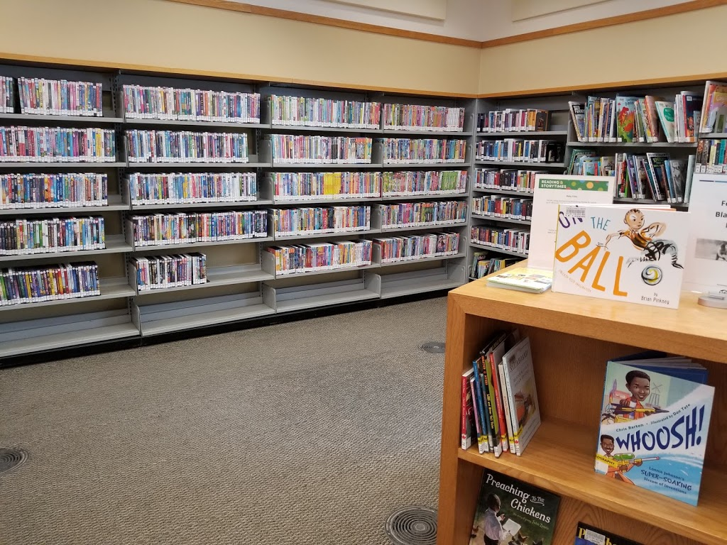 Toronto Public Library - Leaside Branch | library | 165 McRae Dr, East York, ON M4G 1S8, Canada | 4163963835 OR +1 416-396-3835