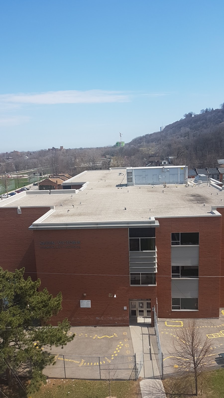 Queen Victoria Elementary School   school   166 Forest Ave, Hamilton, ON L8N 0A6, Canada   9056675880 OR +1 905-667-5880