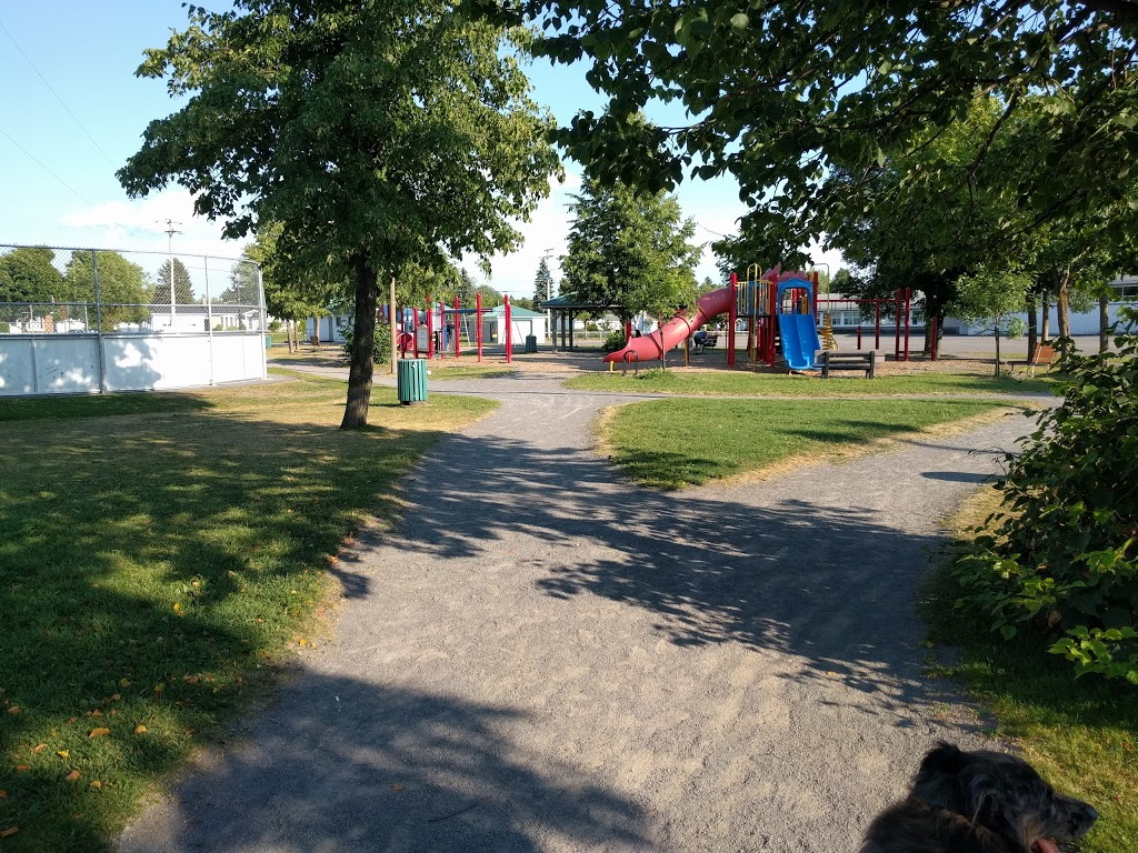 Parc Guillaume-Mathieu | park | 720 Avenue de Gironde, Québec, QC G1G 5G1, Canada | 4186247899 OR +1 418-624-7899