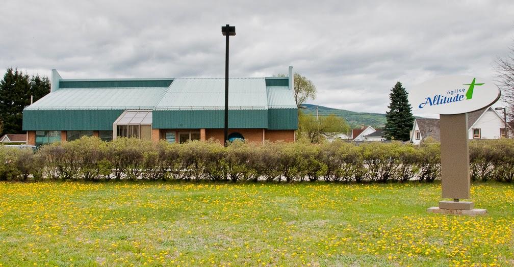 Église Altitude   church   65 Rue Girard, La Malbaie, QC G5A 1A9, Canada   4182011200 OR +1 418-201-1200