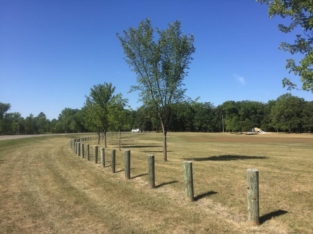 Crescent Drive Park | park | 781 Crescent Dr, Winnipeg, MB R3T 1X3, Canada | 8773114974 OR +1 877-311-4974